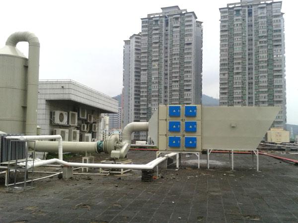 等離子+光解廢氣淨化器安裝現場